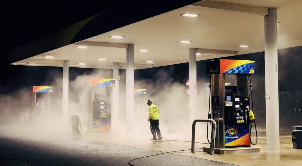Érezhető mértékben csökken a benzin ára szerdától - Liner.hu
