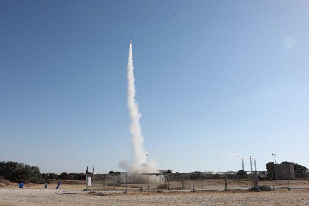 Izrael lelőtte a Hamász rakétáit és légicsapásokat indított a Gázai övezetben – Liner.hu